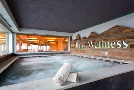 JOSK Passo Tonale Alps & wellnesshotel Delle Alpi wellness zwembad