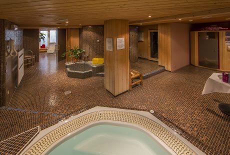 JOSK Kronplatz Reischach sauna en whirlpool