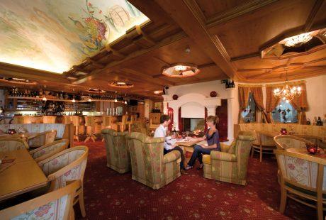 JOSK Zillertal Hintertux Hotel Tirolerhof bar lounge