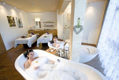 JOSK Saalbach hotel Leonhard zwembad wellness