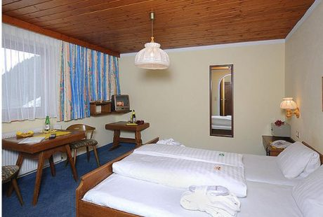 JOSK Zillertal Hintertux Hotel Kirchlerhof kamer