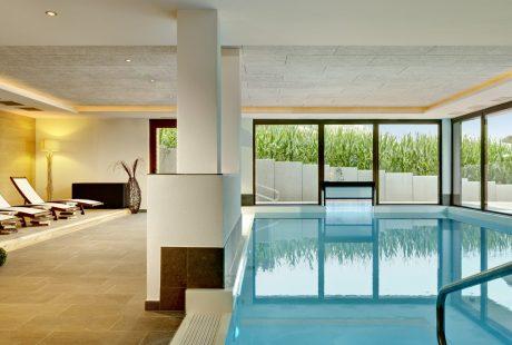 JOSK naturhotel die waldruhe Kronplatz wellness zwembad